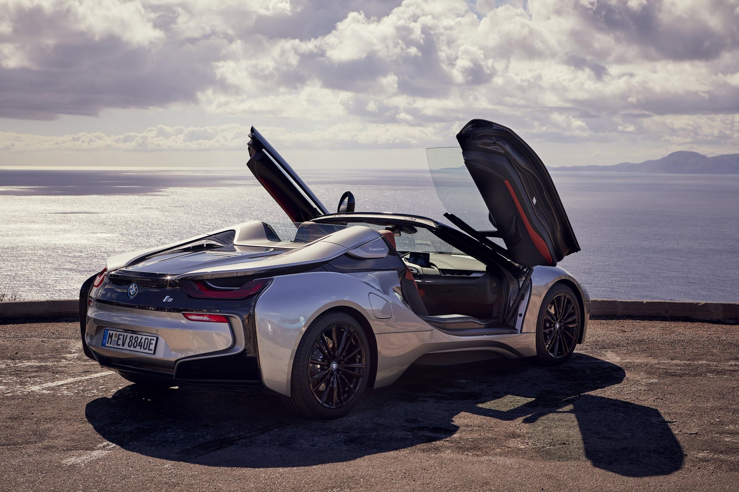 0y8Faky3b5 Ae DVt7USoroQduoa1meD38V2CNHix9ksXn4KeAGI3G2bekla90sKV4tq2XO33EPMQIO3MtGf7p82DVzjyKokToJn0cz5avBmDY3jtCIQasOe1a1N7uIZt15pdWjTlw=w2400 - El BMW i8 Roadster se exhibe por Mallorca (fotografías y video)