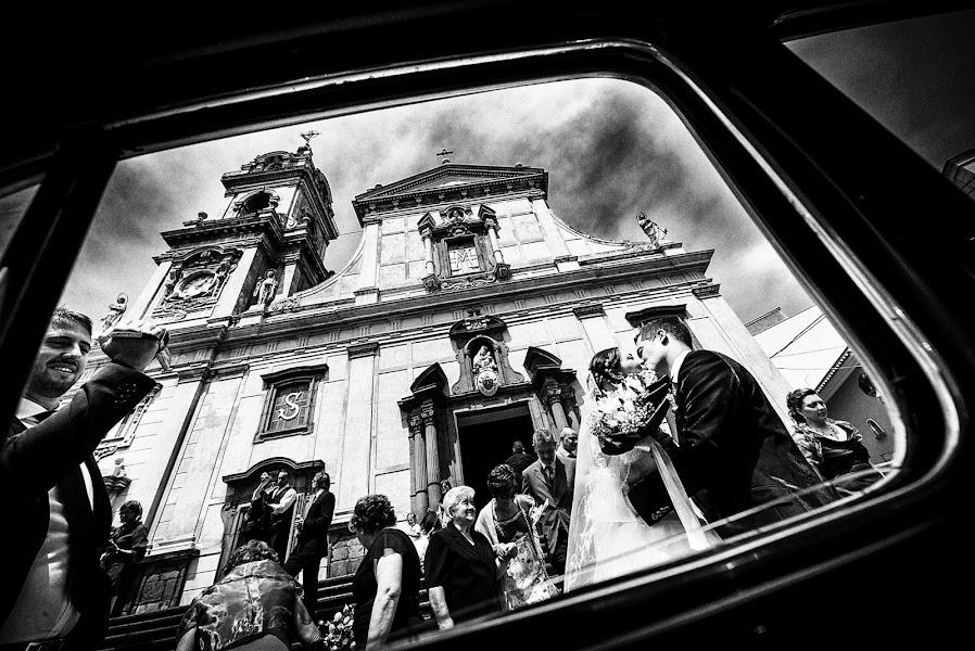 Wedding photographer Emanuele Carpenzano (emanuelecarpenz). Photo of 08.05.2014