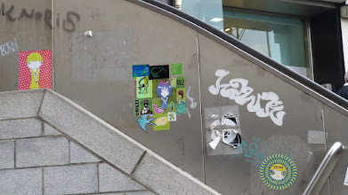 Photo: Wiener Platz; Sticker; JOINY et al.