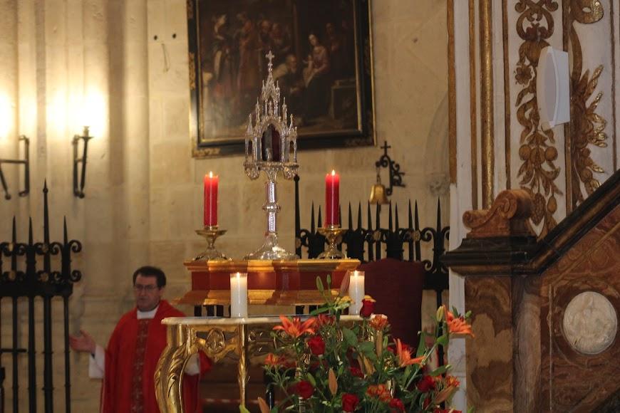 La reliquia de San Indalecio, varón apostólico, presidió el altar mayor de la Catedral de la Encarnación.