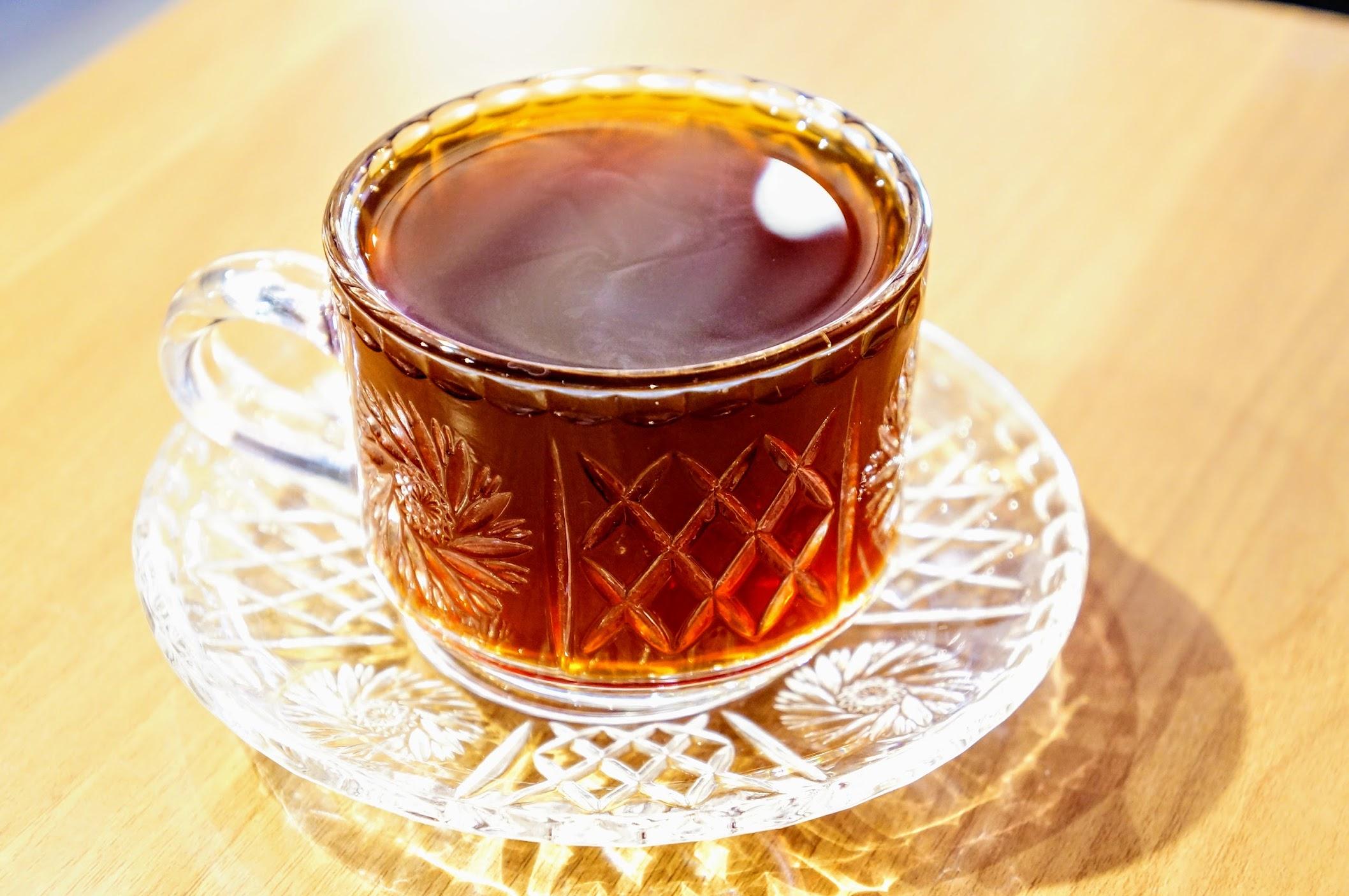 手沖咖啡,今天點的是伏流黑蜜....
