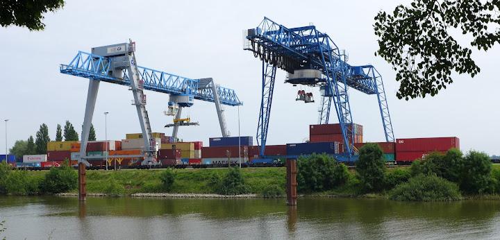 Containerhafen in Emmerich.