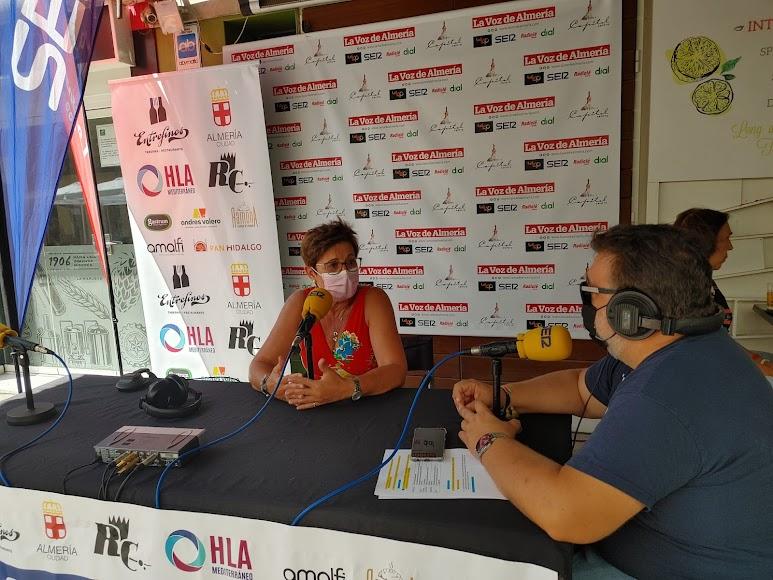 Adriana Valverde dialogó sobre la necesidad de difundir y hacer publicidad a los actos  relacionados con la feria.