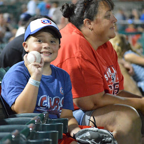 My first baseball! by Benny Lopez - Babies & Children Children Candids ( children, baseball, mom )