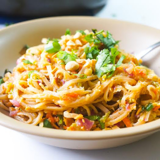 Pad Thai with Carrots and Cabbage