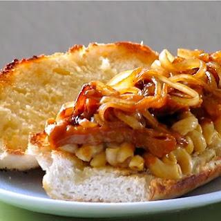 """Cheesy Mac and """"Rib"""" Sandwich"""