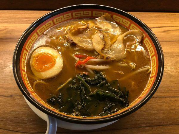 京屋拉麵 在名為拉麵店的日本料理中,享用中規中矩的醬油豚骨拉麵 與 味道有點無法想像與享受的韓式炸雞......
