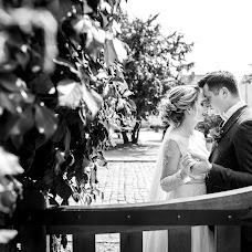 Wedding photographer Pavel Nenartovich (nenik83). Photo of 27.03.2018