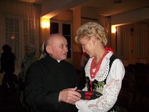Photo: Ks. kanonik  Antoni Łaciak i Maria Żur. Ksiądz Łaciak był proboszczem w naszej parafii w latach 1977 - 2000.  Dwa lata wcześniej (1975 - 1977) był wikariuszem ekonomem. W tym czasie proboszczem był ks. Władysław Bodzek