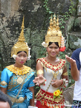 Photo: Locals dressed in 12th century clothes for the tourists.