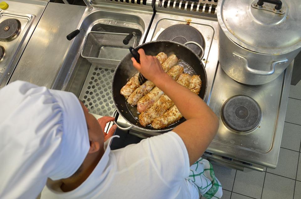 restaurant-1206144_960_720.jpg