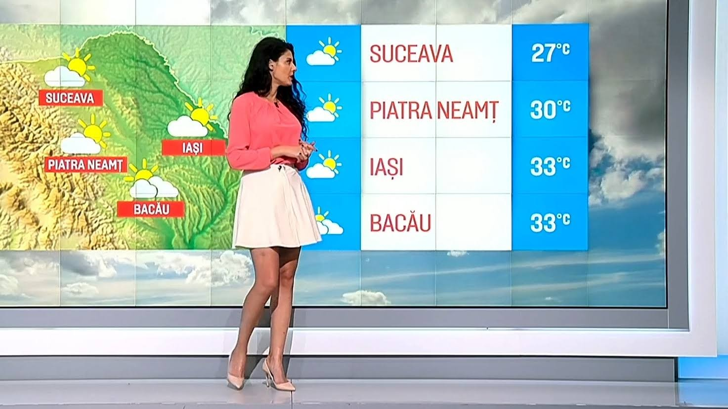 This weather girl is a real pleasure to watch