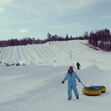 Photo: Una de las actividades favoritas en #invierno en #Québec #nieve #snow #glissades #hiver #lanaudière