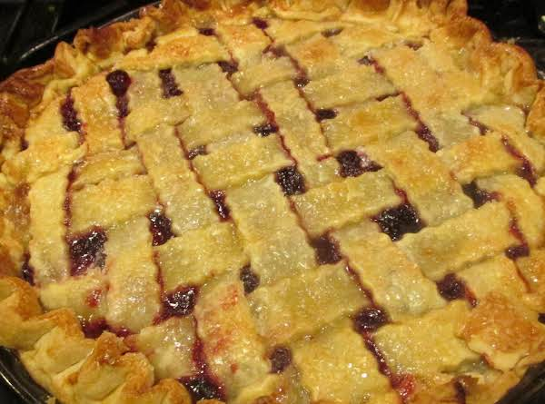 Super Easy Cherry Pie Recipe