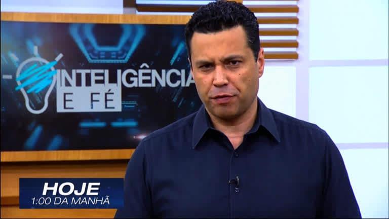 Renato Cardoso apresentando programa da Igreja Universal que derruba a audiência da Record TV