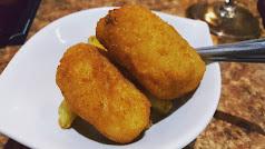 Croquetas de cocido o de jamón, con patatas o sin ellas, siempre son una apuesta segura al tapear. Foto: @elgastrolopitecus