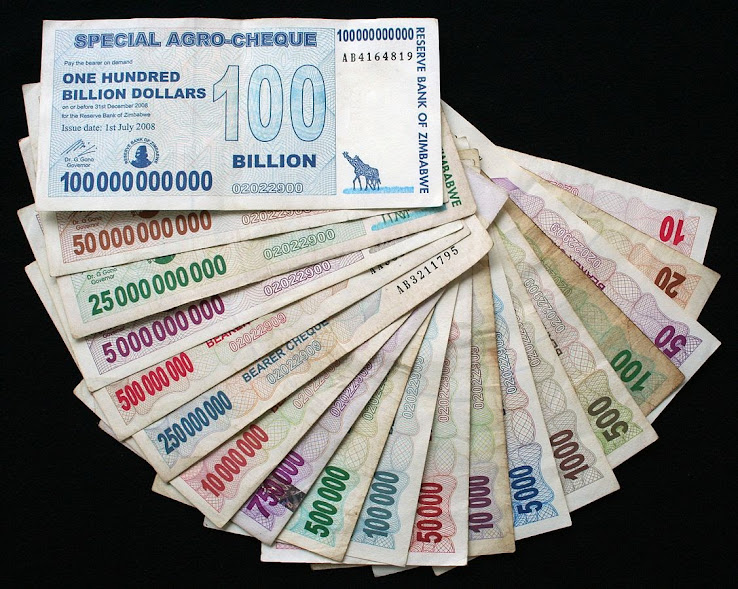 Zimbabwean banknotes from 10 dollars to 100 billion dollars, issued 2007-8.