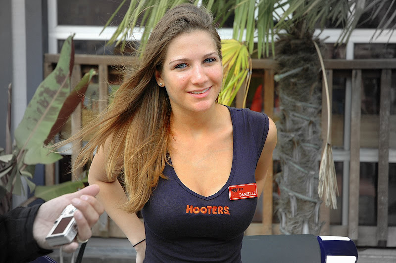 M&G - 11/11/07 - Humble Hooters