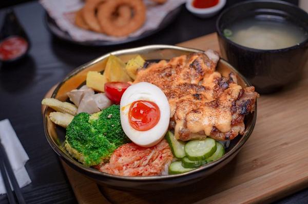 拿筷 The Quiet  豐富且均衡的特色日式丼飯 台中美食
