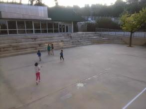 Photo: Acollida, jocs al pati