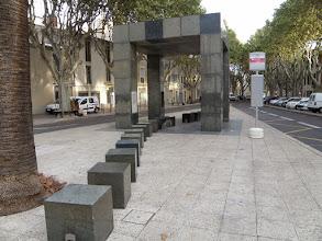Photo: 1. den - A tohle už je nová architektura - autobusová zastávka architekta P. Starcka (L'Abribus, Nîmes)