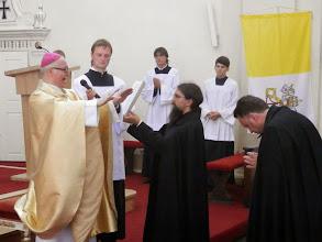 Photo: Slavnostní modlitba a požehnáni novému profesovi s věčný mi sliby.