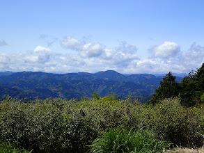 高根山(中央右)