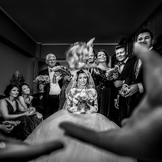 Wedding photographer Daniel Dumbrava (dumbrava). Photo of 15.02.2018