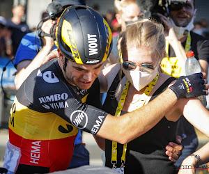 """Echtgenote Sarah ziet Wout van Aert eindelijk van op eerste rij winnen in de Tour: """"Ik kan alleen maar trots zijn"""""""