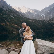 Wedding photographer Rostyslav Kovalchuk (artcube). Photo of 25.12.2018