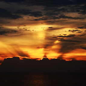 Golden Rays of Sunset by Azzah Rahman - Landscapes Sunsets & Sunrises ( port dickson, sunset, sea, beach, sun )