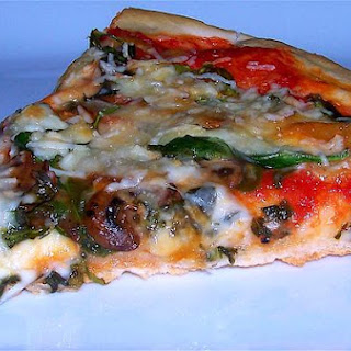Garlicky Spinach and Mushroom Pizza