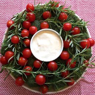 Christmas Wreath Veggie Platter Appetizer Tray