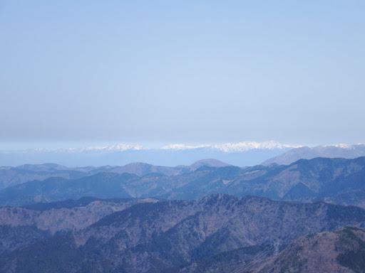 左から横山岳・三国岳・金糞岳など