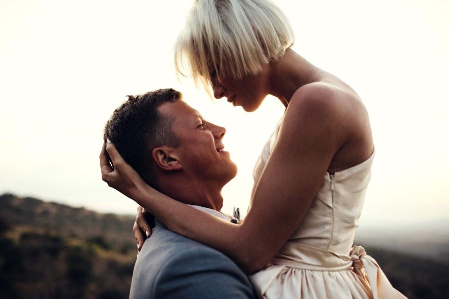 Wedding photographer Vasiliy Tikhomirov (BoraBora). Photo of 30.10.2014