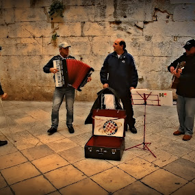 Street melodies .... by Joško Tomić - People Musicians & Entertainers