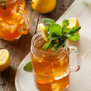 Starbucks-Style Iced Green Tea Peach Lemonade