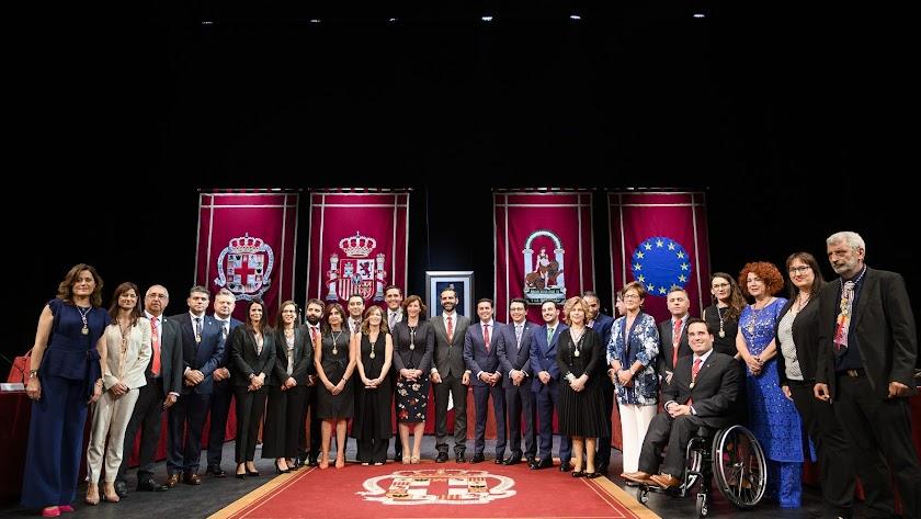 Foto de la nueva Corporación municipal.