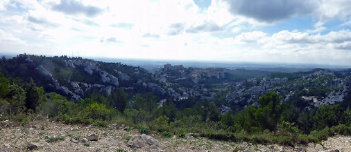 Photo: Les Baux, situés dans le massif des Alpilles