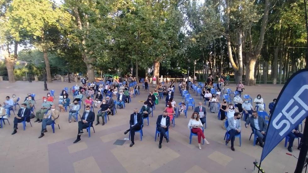 Gran afluencia de público en la Plaza Julio Alfredo Egea.