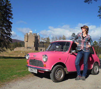 Pink Mini Adventure tour in England with driver and castle in scotland