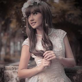 Winny by Agung Hendramawan - People Fashion ( #modelling, #girl, #model, #portrait )