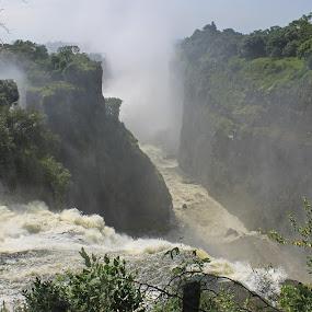 Victoria Falls by Tony Murtagh - Landscapes Waterscapes ( zimbabwe, waterfall, victoria falls, africa,  )