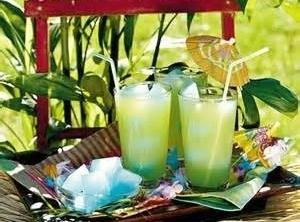 Brenda & Bj's Wedding Drink: Southern Breeze Recipe