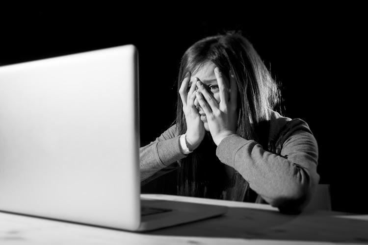 Австралия порно онлайн, русские девушки парке скрытая камера видео