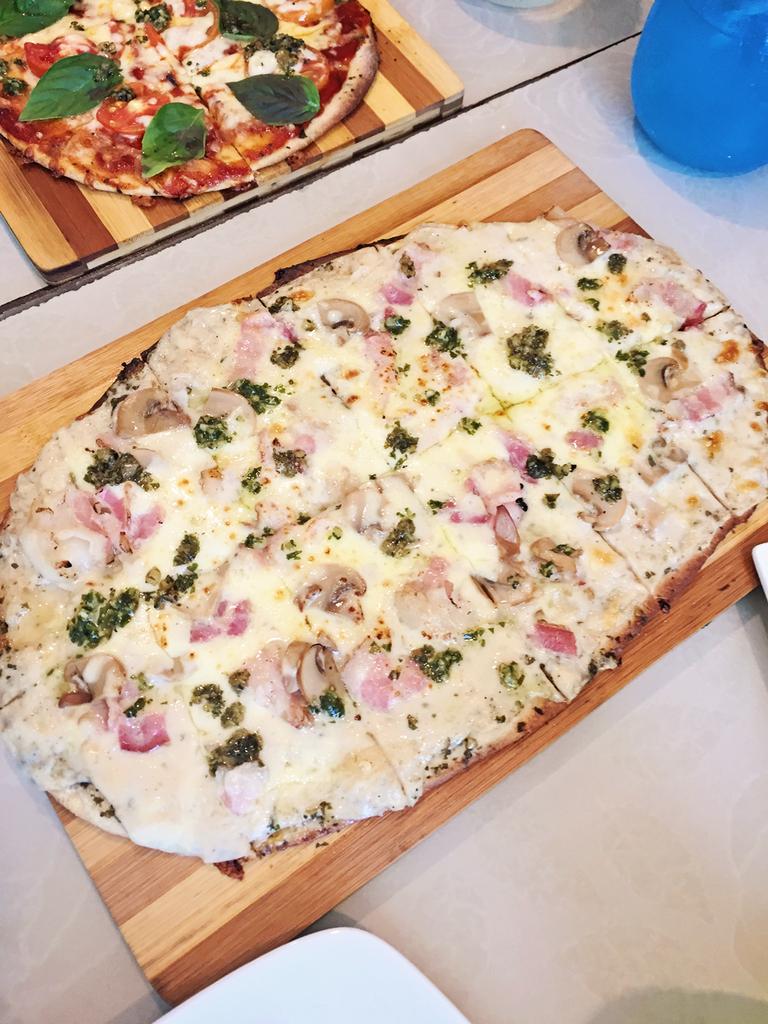 Vaneaty Resto Cafe Baconeaty Pizza