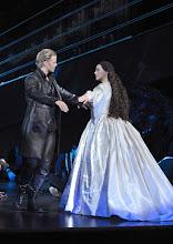 """Photo: MUSICAL """"ELISABETH"""" im Wiener Raimundtheater. Premiere 5.9.2012. Inszenierung Harry Kupfer. Marc Seibert, Annemieke van Dam. Foto: Barbara Zeininger"""