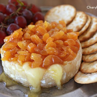 Baked Brie With Apricot Chutney