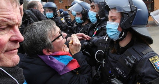 Head of German Police Union Calls For Ban on Anti-Lockdown Protests