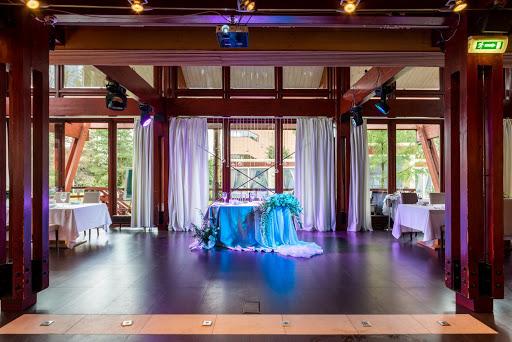 Зал для свадьбы в Chalet за городом в Подмосковье 2